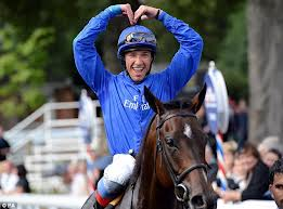 Frankie Dettori doing the 'Mo'