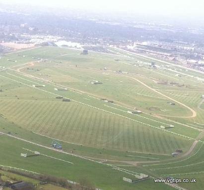 cheltenham racecourse from the air