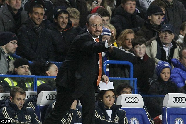 Rafa Benitez complains at the treatment he has received from Chelsea fans