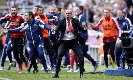 paolo di canio celebrates sunderland victory at newcastle