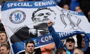 chelsea fans welcome jose mourinho home