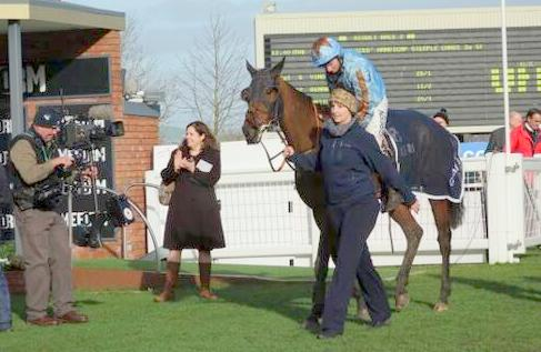 channel 4 racing covers horse racing all over the UK