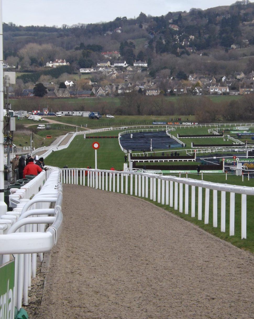 How steep is the finish at Cheltenham?