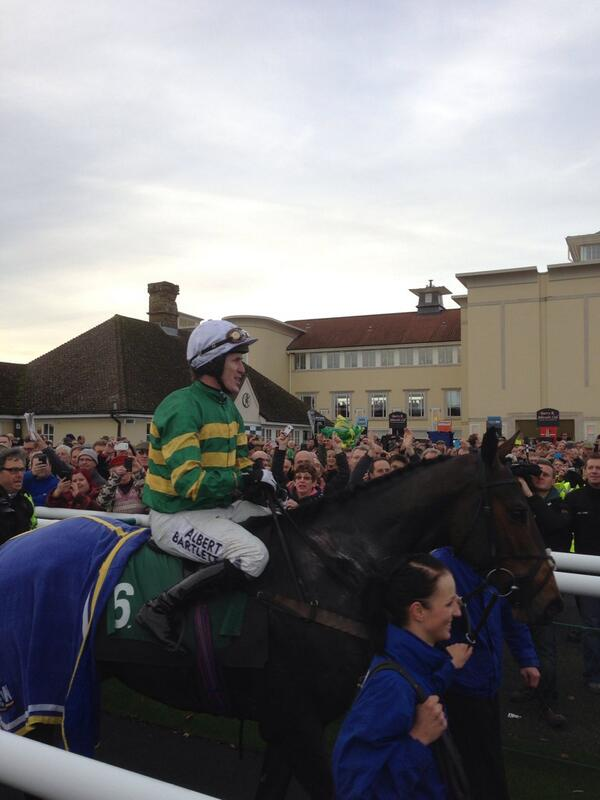 ap mccoy rides his 4000 career win on Mountain Tunes