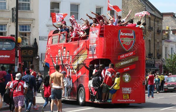 arsenal bus
