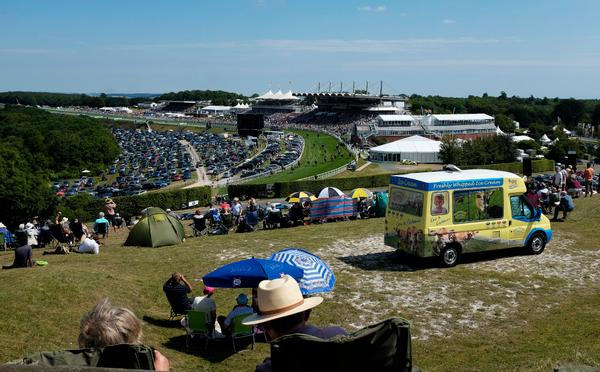 WATCH RACING FROM THE HILL ABOVE GOODWOOD RACECOURSE