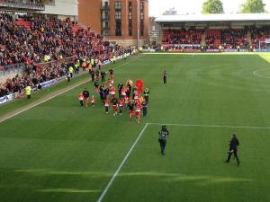 leyton orient lap of honour last home game by andymeatpie