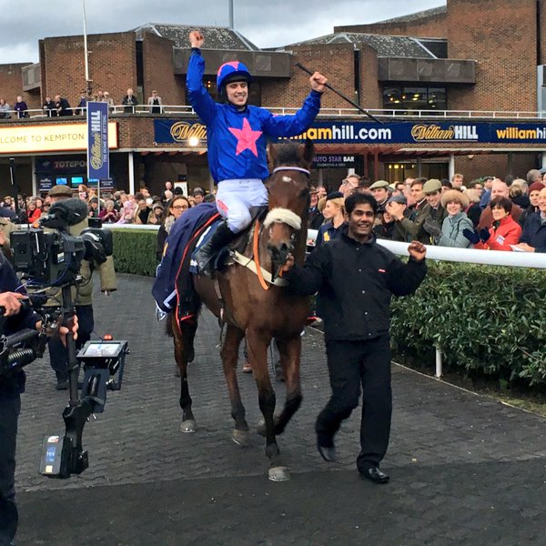 At last! Cue Card wins the King George