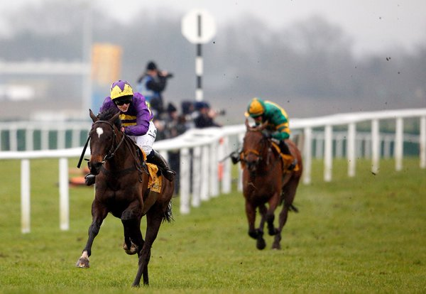 Lizzie Kelly rides Agrapart to win the Betfair Hurdle