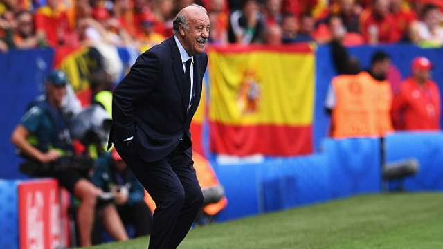 out of his seat for once del bosque