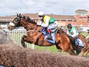 Vicente wins Scottish Grand National. One of 4 winning racing tips on Saturday