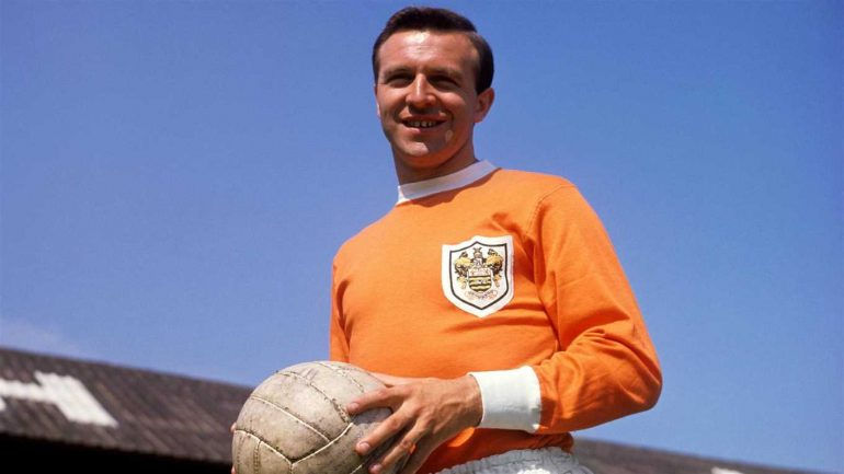 jimmy armfield dies