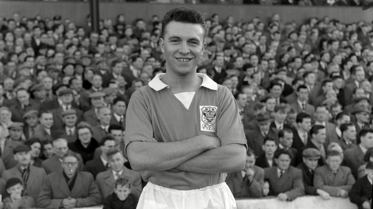 jimmy armfield in black and white