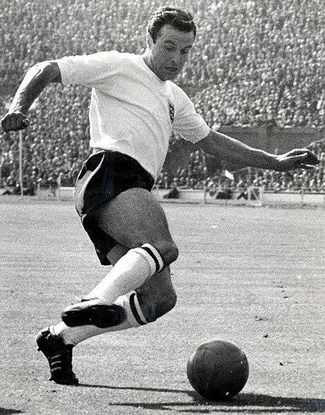 jimmy armfield playing for england