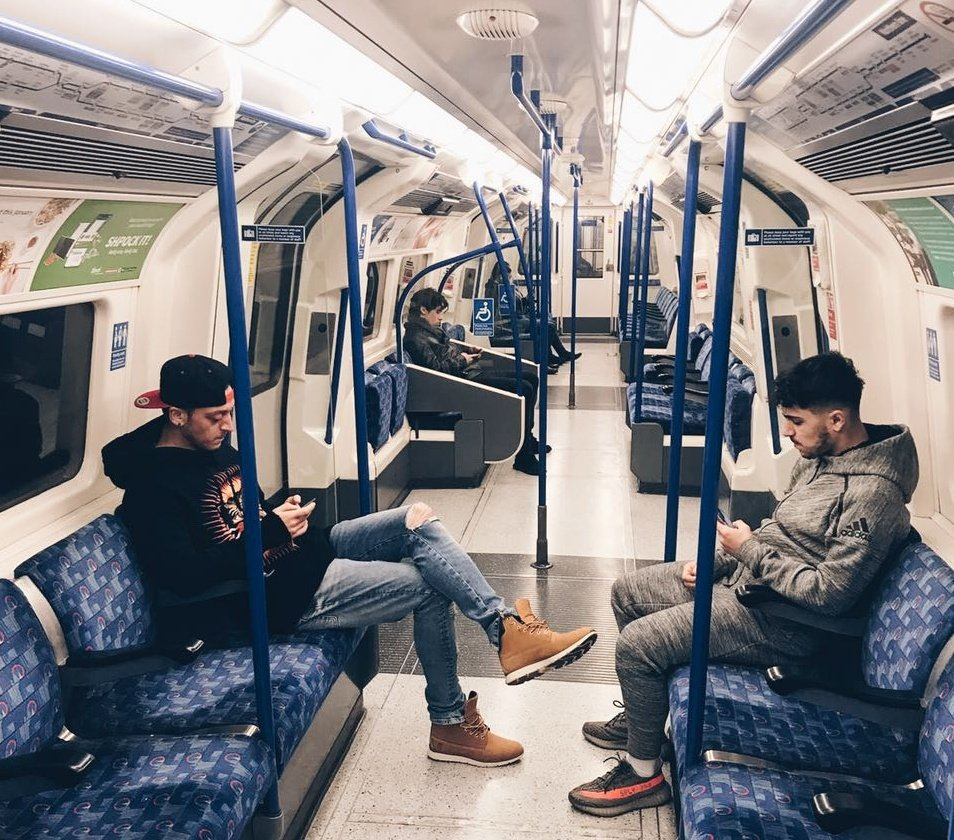 mesut Öziltravels on the london tube