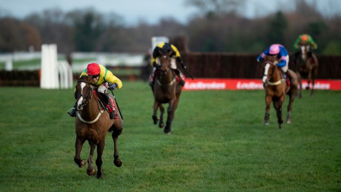 sizing tennessee wins ladbrokes trophy chase