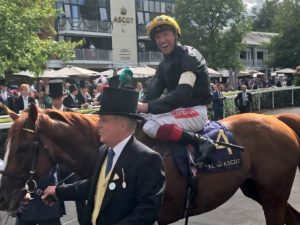 Watch Stradivarius win the Ascot Gold Cup