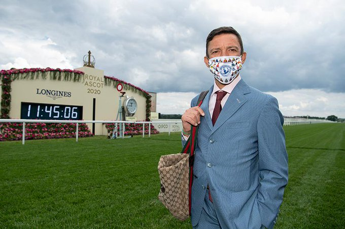 frankie dettori wearing a mask