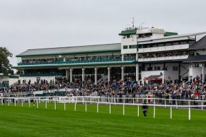 chepstow racecourse with crowds taken by the course